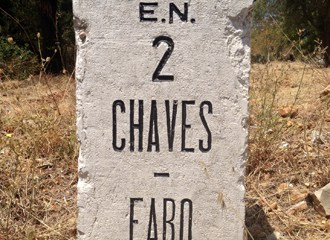 Este homem vai correr de Chaves a Faro