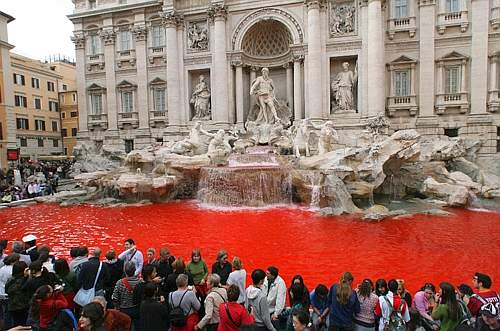 Fontana di Trevi red colour