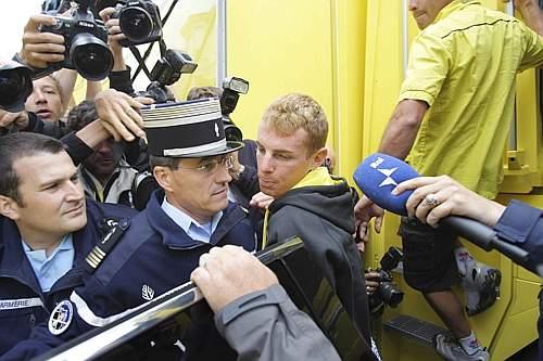 Riccardo Riccò positivo all'Epo dopo il controllo effettuato al termine della tappa a cronometro del Tour de France disputata l'8 luglio scorso a Cholet.