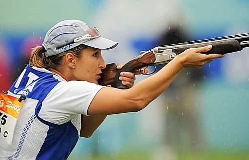 Chiara Cainero ha vinto l'oro nella specialità dello skeet donne nel tiro a volo (Reuters)