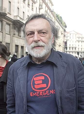 Gino Strada alla manifestazione di Milano