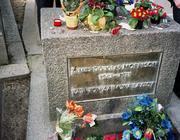 La tomba di Morrison al Père Lachaise ( da Internet)