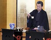 Un maestro giapponese della cerimonia del tè (Reuters)