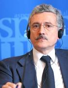 Il vicepremier D'Alema (Ap)