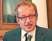 Il  Ministro maroni (Ansa)