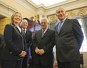 Netanyahu, Abu Mazen e Hillary Clinton (Milestone)