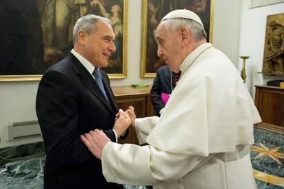 Il papa all'udienza con i politici:«I peccatori perdonati, i corrotti no»