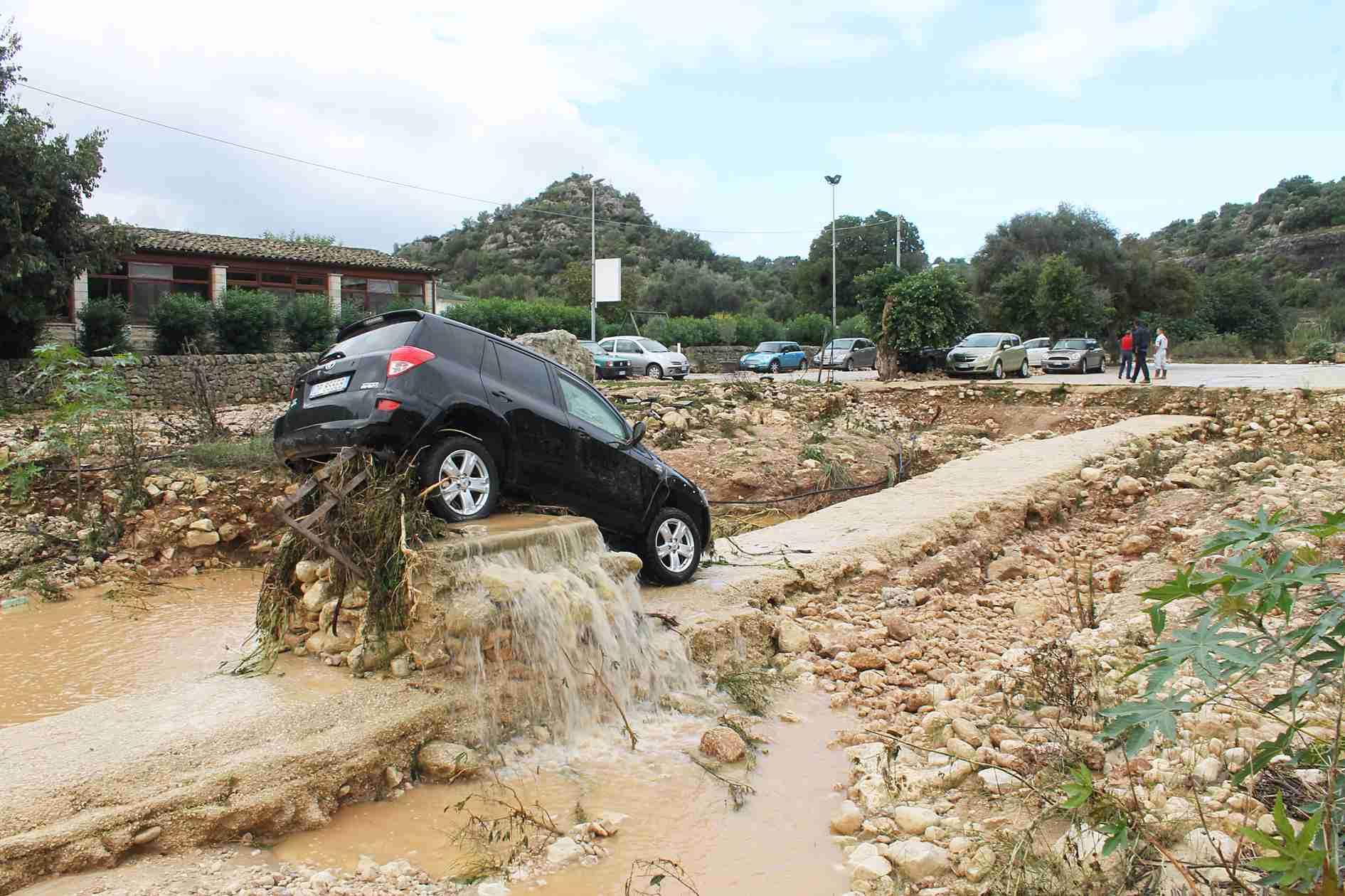 Maltempo a Rosolini: conta dei danni all'Eremo di Croce Santa » Corriere  Elorino