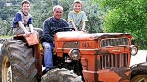 Un trattore al lavoro