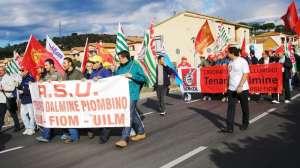 La manifestazione di protesta dei dipendenti della Dalmine