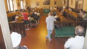 La sala consiliare vuota per il ministro Zanonato