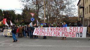 matteo-renzi-protesta-palatenda