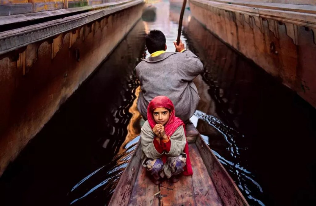 Steve McCurry, Srinagar Kashmir, 1996