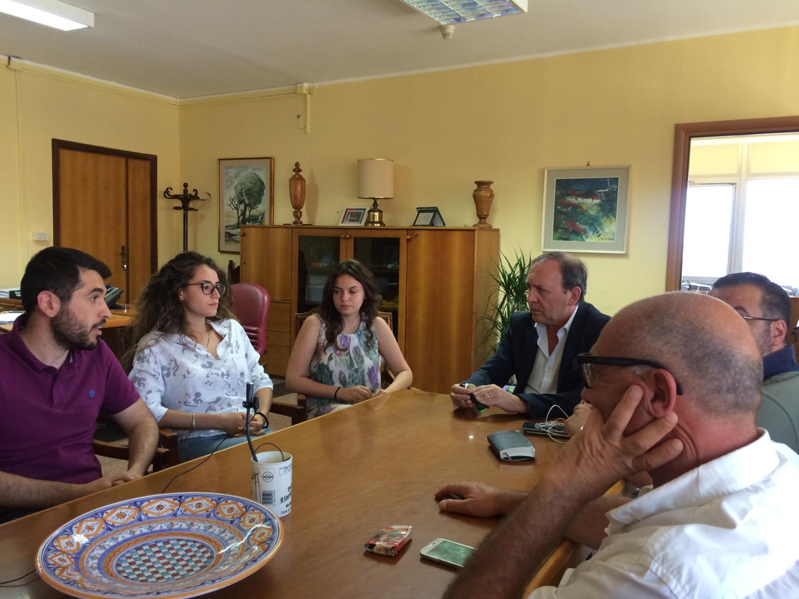 """Paternò, consiglieri M5S """"segnalano"""" bando al sindaco: 100 mln per impianti sportivi"""