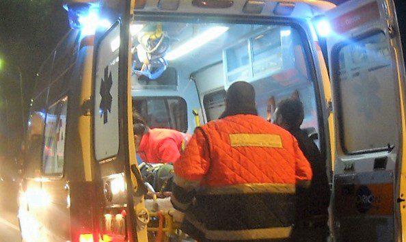 SS. 121, incidente tra due auto all'altezza di Etnapolis: Punto fuori strada, 3 feriti