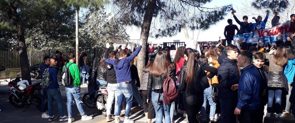 Paternò, #DB Giovani chiede interventi pro-sicurezza per i giovani studenti