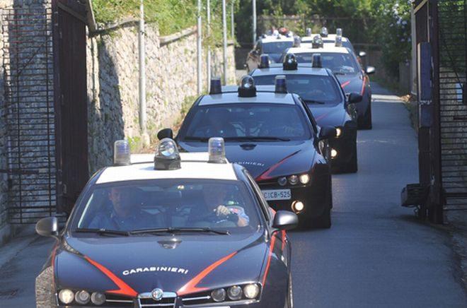 Mafia, in manette i 'santapaoliani' di Lineri e Barriera: 21 in carcere, 10 ai domiciliari. Vittime estorsione collaborano