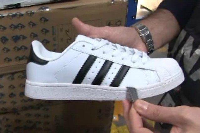 A Roma e nel Catanese GdF sequestra 140 mila paia di scarpe: Adidas e Nike false, avrebbero fruttato 2 mln
