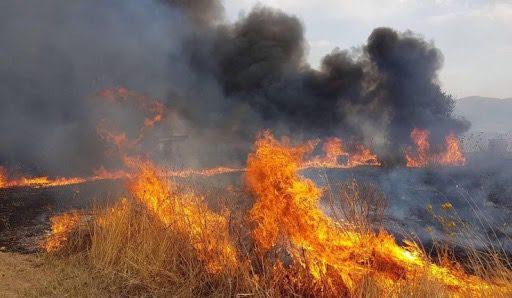 Misterbianco, incendio in via Po nella frazione di Montepalma: fiamme lambiscono ditta di escavatori