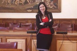 """Scuola, il ministro Azzolina: """"Ingressi scaglionati. Servono più spazio e più docenti"""""""