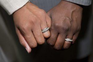 Catania, misura cautelare per la 'paraninfa' colombiana Jessica: falsi matrimoni per regolarizzare extracomunitari