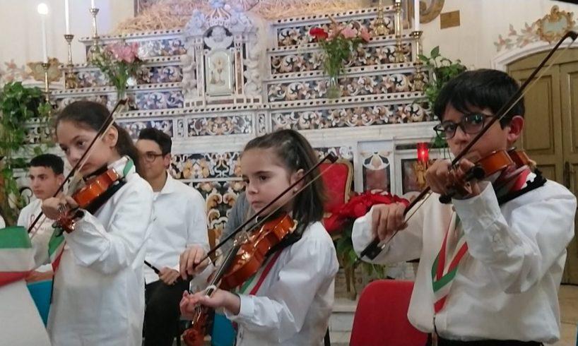 Adrano, stasera l'Orchestra Falcone e Borsellino suona per i 50 anni di sacerdozio di Padre Milazzo: con il Comune pace a condizione che…