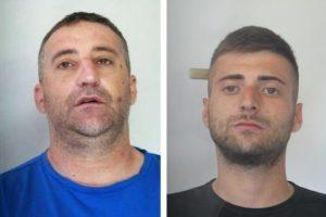 Catania, ecco gli specialisti degli scippi su auto in movimento: due persone arrestate dai 'Falchi'