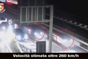 L'A19 Catania-Palermo trasformata in autodromo: la notte dell'11 luglio due Bmw a 260 km/h. Auto sequestrate (VIDEO)