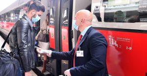 Coronavirus, torna il distanziamento sui treni: il dietrofront pesa sui conti delle compagnie