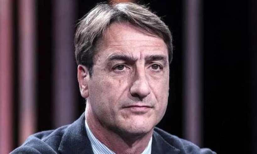 Sicilia, Fava trova la cravatta tagliata nell'ufficio dell'Ars: messaggio inquietante al presidente dell'Antimafia