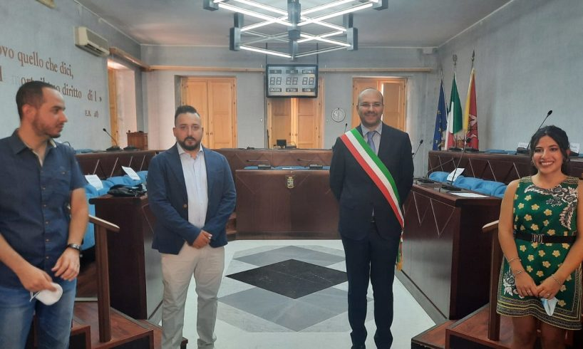 """Biancavilla, giurano i due nuovi assessori Pennisi e Scalisi. Il sindaco: """"Lavorate al meglio"""""""