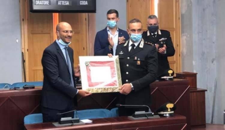 """Biancavilla, il sindaco ringrazia e saluta il capitano dei Carabinieri Accardo: """"Lascia eredità importante"""""""