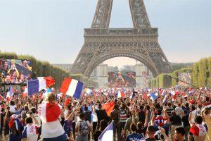 """Libertà di espressione, lettera dei media francesi ai cittadini: """"Abbiamo bisogno di voi"""""""