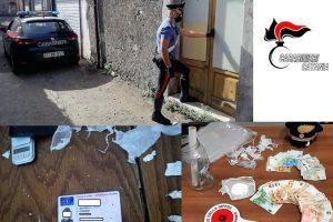Randazzo, nel casolare della bisnonna confezionava cocaina: 19enne arrestato