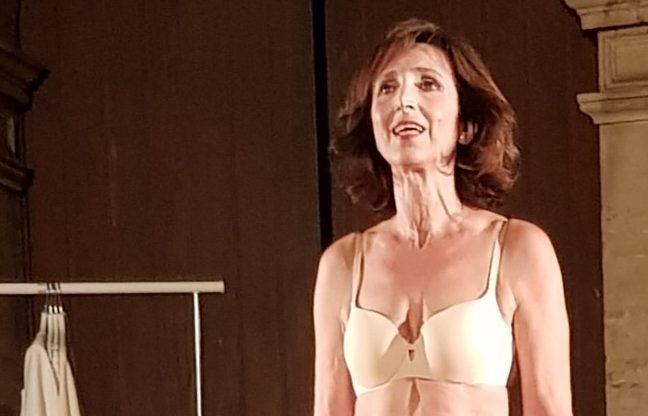 Teatro, le moltitudini di Eva nell'atto unico 'Semplice': con Barbara Gallo al Summer Fest