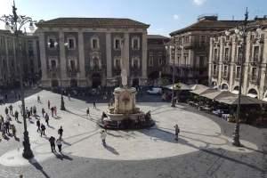 Covid, l'Italia torna arancione fino al 30: bar e ristoranti aperti per asporto