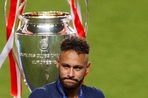 Brasile, procura apre inchiesta su megafesta di Capodanno di Neymar: 150-500 invitati ma non c'è divieto