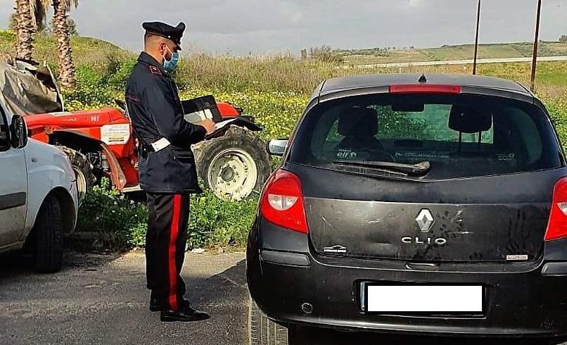 Palagonia, utilizzavano l'auto confiscata al familiare: 2 denunciati