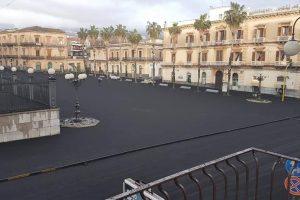 Etna, Regione dichiara stato di crisi per 43 comuni. Cenere in discarica non come rifiuto speciale