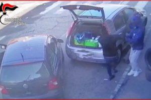 Giarre, rapinò pensionato in via Brancati assieme a un complice: arrestato 47enne di S. Pietro Clarenza (VIDEO)
