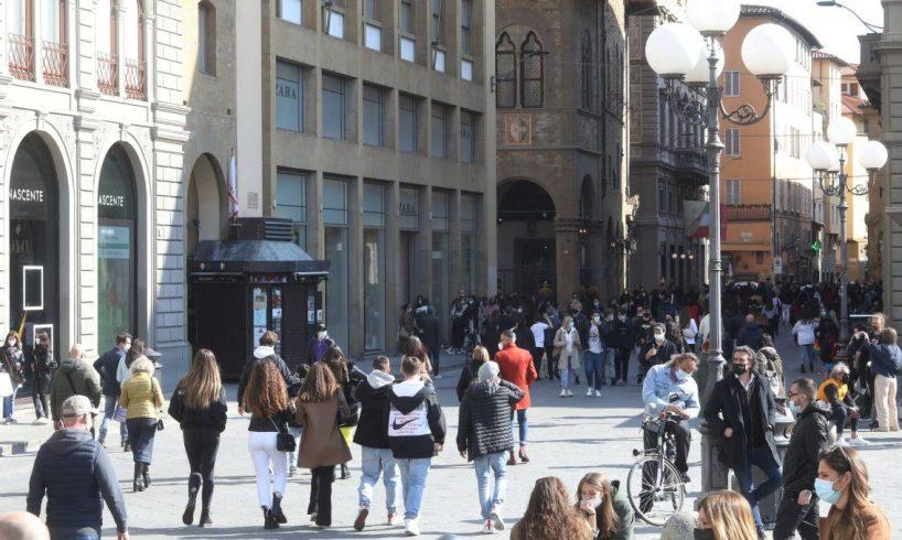 Covid, l'Italia quasi tutta gialla (ma la Sicilia no): ecco cosa è consentito fare