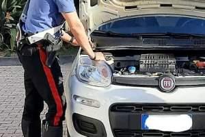 Paternò, 23enne nascondeva la marijuana dentro il vano motore dell'auto: arrestato dai militari di Palagonia