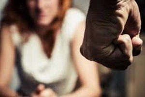 Siracusa: maltratta moglie, amante e 4 figlie che vivono tutte sotto lo stesso tetto: arrestato il giovane califfo