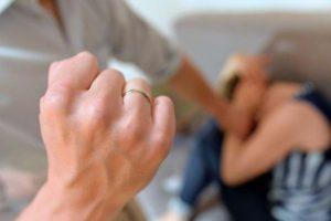 Trecastagni, 53enne arrestato dopo aver picchiato la moglie: scatta il 'divieto di avvicinamento'