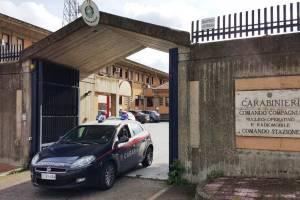 Mascalucia, minaccia di sparare in testa a madre e sorella: arrestato 22enne drogato