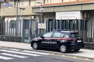 Mascalucia, Carabinieri assistono 2 bambini mentre la mamma corre in ospedale a partorire: l'allarme dal medico del 118