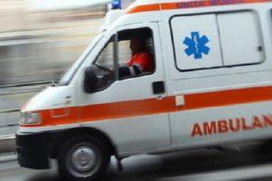 Caltagirone, scontro frontale tra un autocarro e un'auto sulla statale 417: c'è un morto
