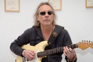 Solo in vinile e con un inedito l'ultimo album di Ricky Portera: in un video la carriera del chitarrista