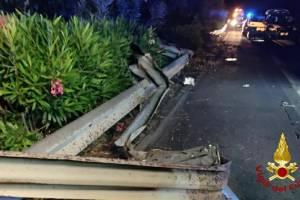 Fiumefreddo, tragedia stradale sulla A18 con 2 morti e 4 feriti gravi: tornavano da un matrimonio