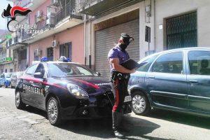 Catania, botte agli zii per ragioni economiche: 32enne arrestato in flagranza